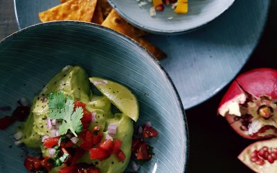 Guacamole mit Selbstgemachten Tortillachips